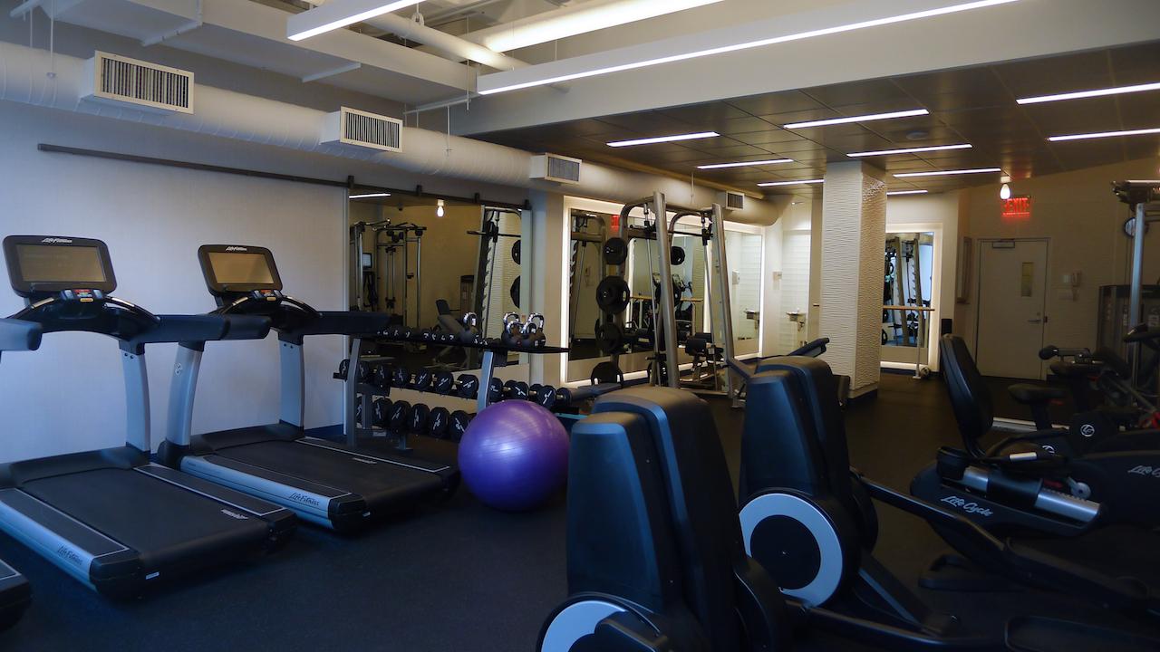 [ e58st exercise room ]