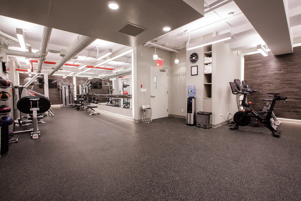 [ e77st exercise room ]